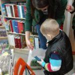 Przedszkolaki z Przedszkola nr 22 w taniej gorzowskiej księgarni